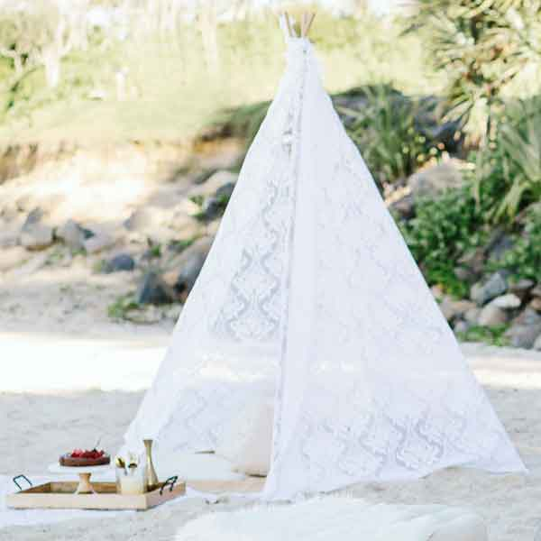 lace-tipi-wedding-hire